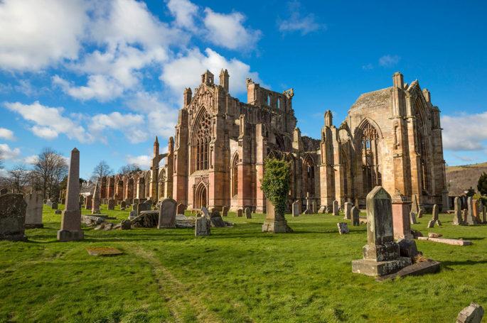 Die Ruine der Melrose Abbey in den Scottish Borders