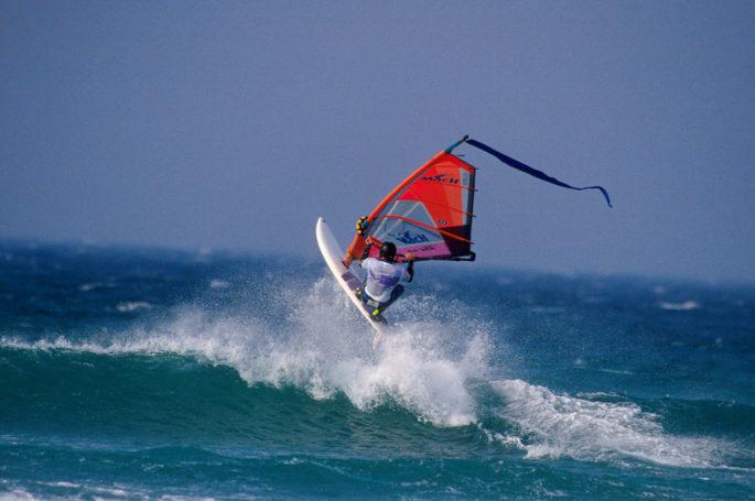 •Compétition de planche à voile durant le Tiree Wave Classic