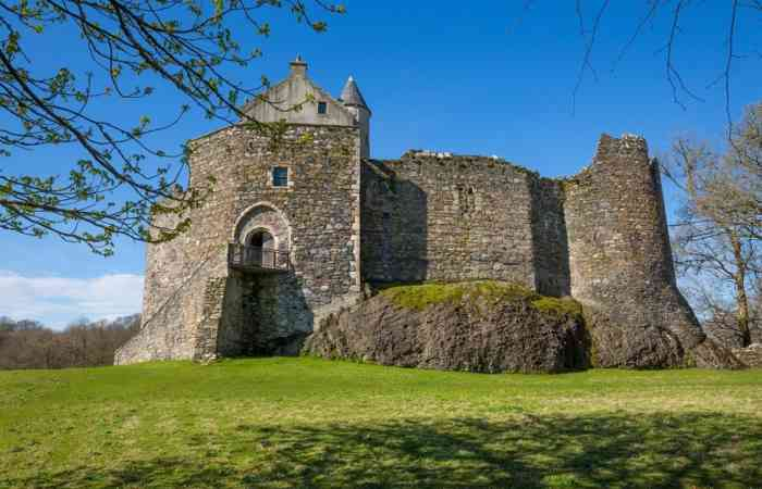 Dunstaffnage Castle 1