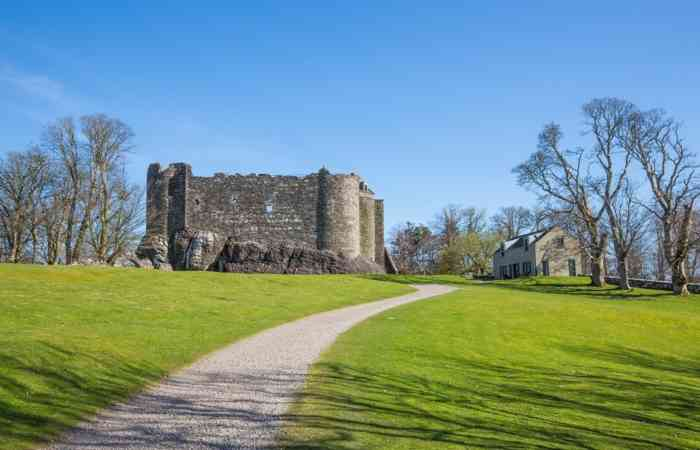 Dunstaffnage Castle 2