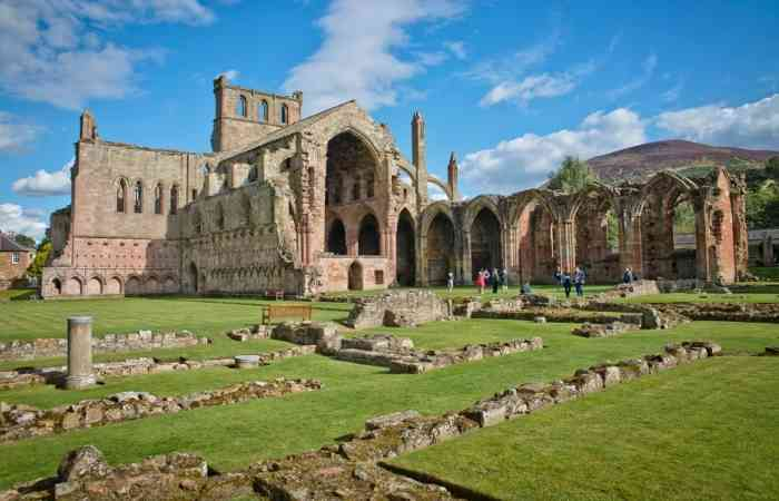 Melrose Abbey 3