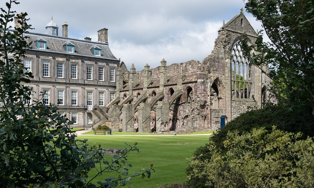 Holyrood Abbey 2 Hes 1 Year Use Small